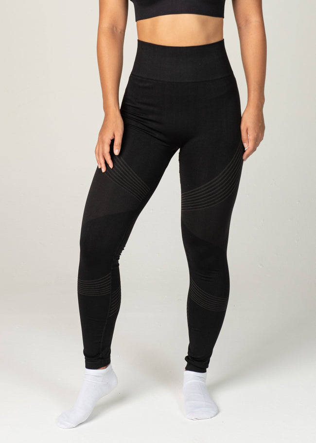 Seamless Triumph Leggings - Sweat Industry Apparel Black Front