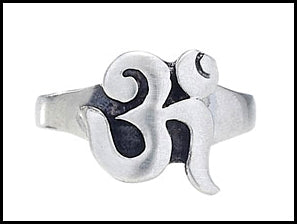 Raised Om Ring