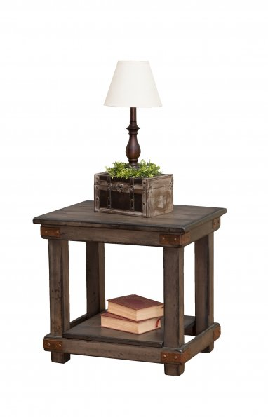 End Table w/Antiquated Finish (Mt Pleasant #1750)