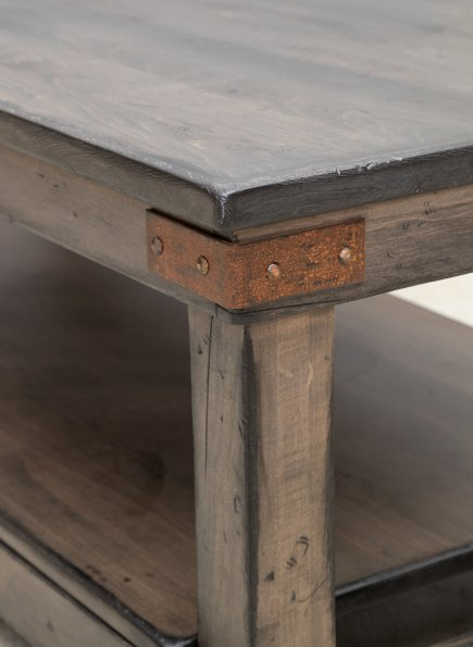 Coffee Table w/Antiquated Finish (Mt Pleasant #1755)