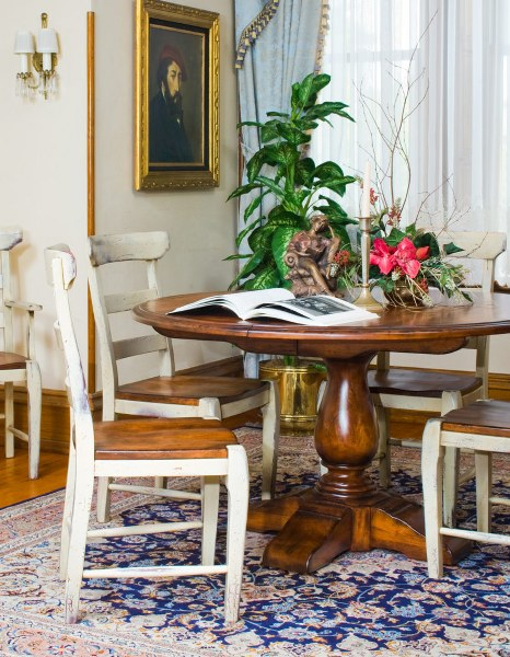 Vase Round Pedestal Table (Zimmermans #490 & #491)