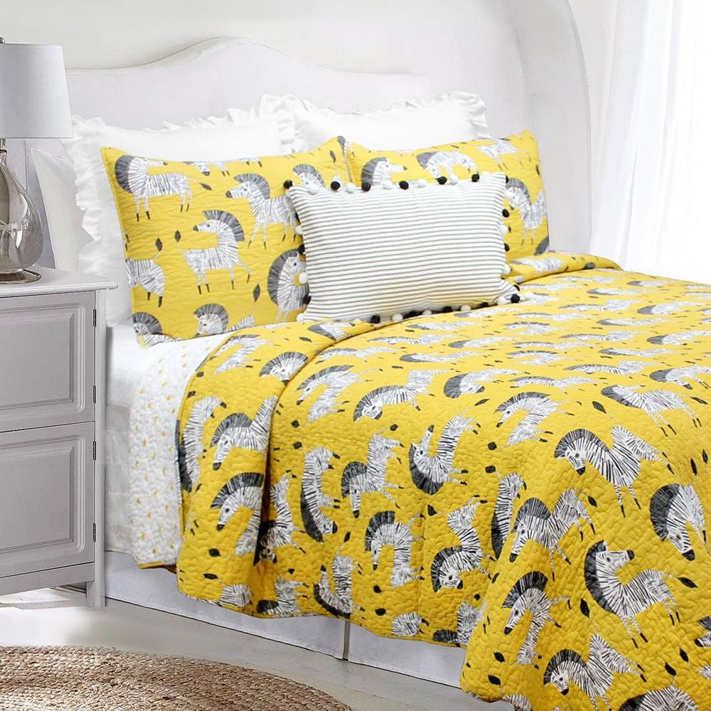 Ziggy Zebra Quilt Set