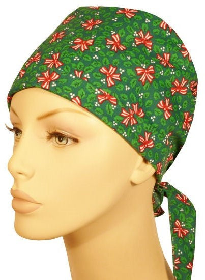 Star Tie Cap-Christmas Bows on Green