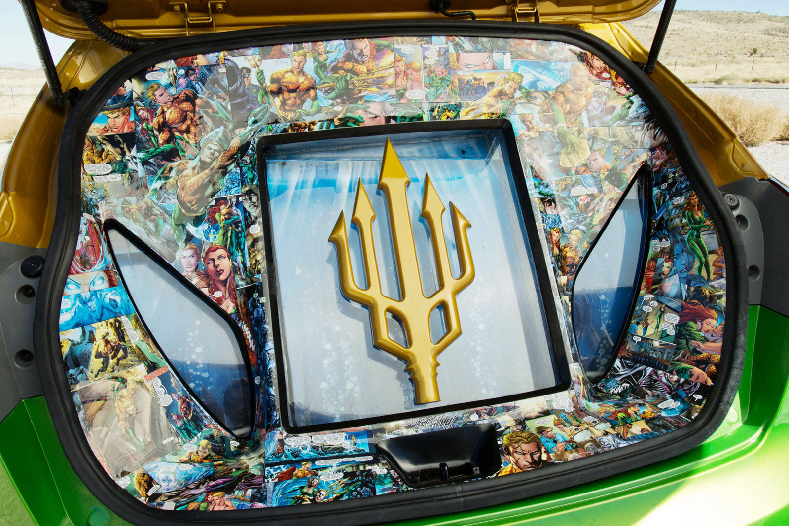 Forth Silde: SEMA 2012 Kia 5-Door Rio Aquaman - Trunk