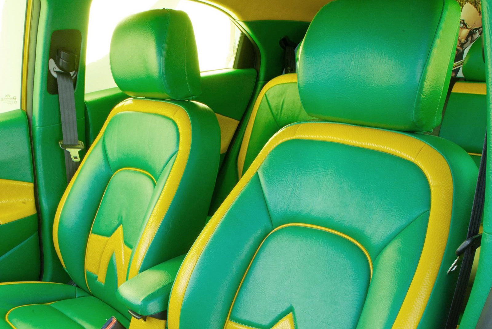 Fifth Silde: SEMA 2012 Kia 5-Door Rio Aquaman - Car Seat