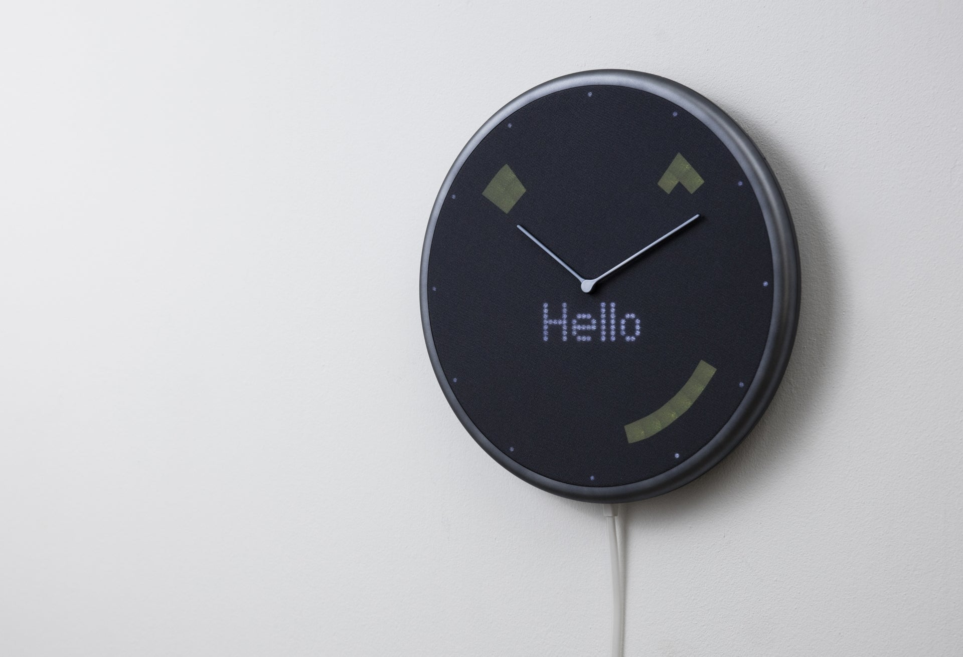 Glance Clock Silver Smile Wall