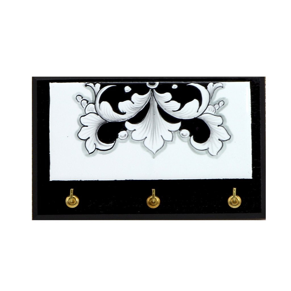 DERUTA VARIO NERO: Keys Hanger with Hand Painted Ceramic tile on ...