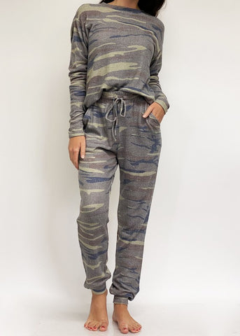 Camo Jogger Outfit