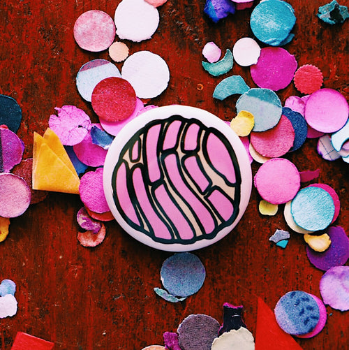 Pink concha pin back buttons made by Artelexia