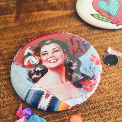Large vintage señorita pin up girl pin-back button made by Artelexia