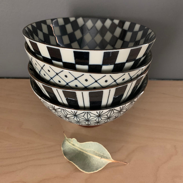Home: Retro Japanese Bowl Set