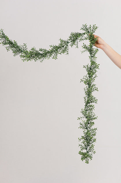 Boxwood Garland