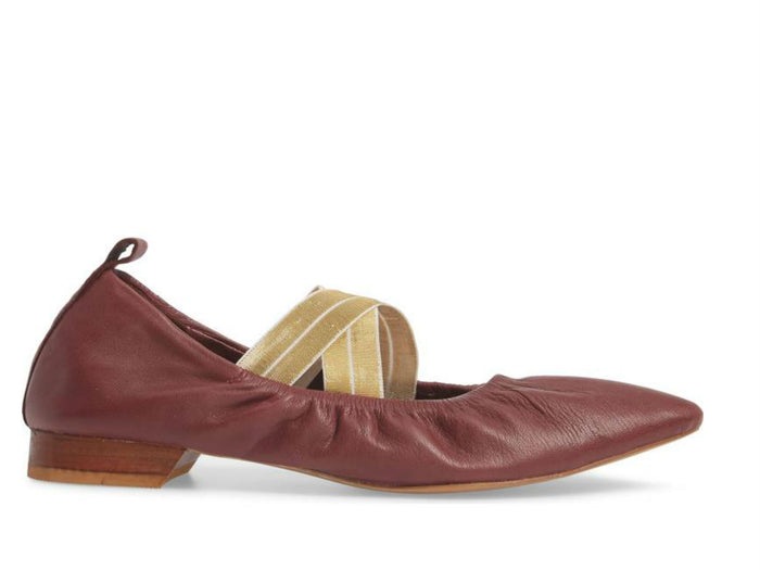 Free People Solitaire Flat in Raspberry