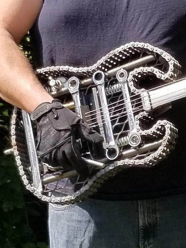 Scrap Metal Electric Guitar Wall Decoration Heavy Metal from Nuts and