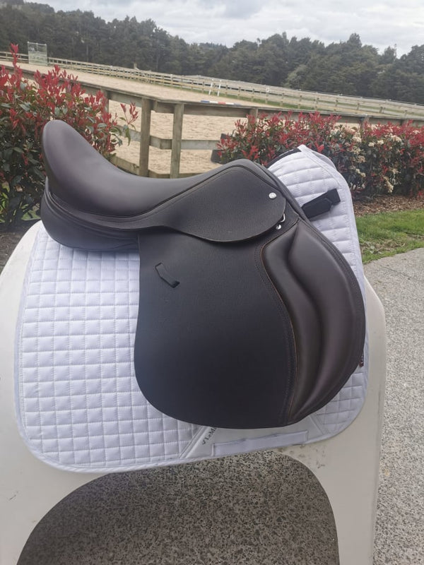 Loxley by Bliss Foxhunter 17.5""