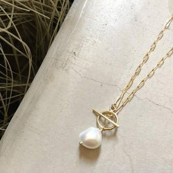 Lily-Pearl-Necklace-Bon-Ton-Studio-1
