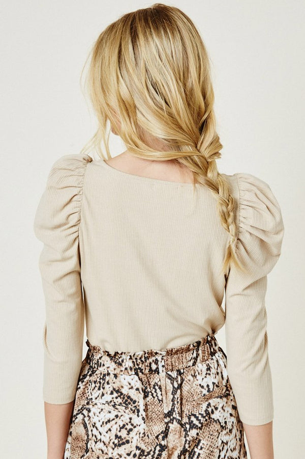 Puffed-Shoulder-Neutral-Top