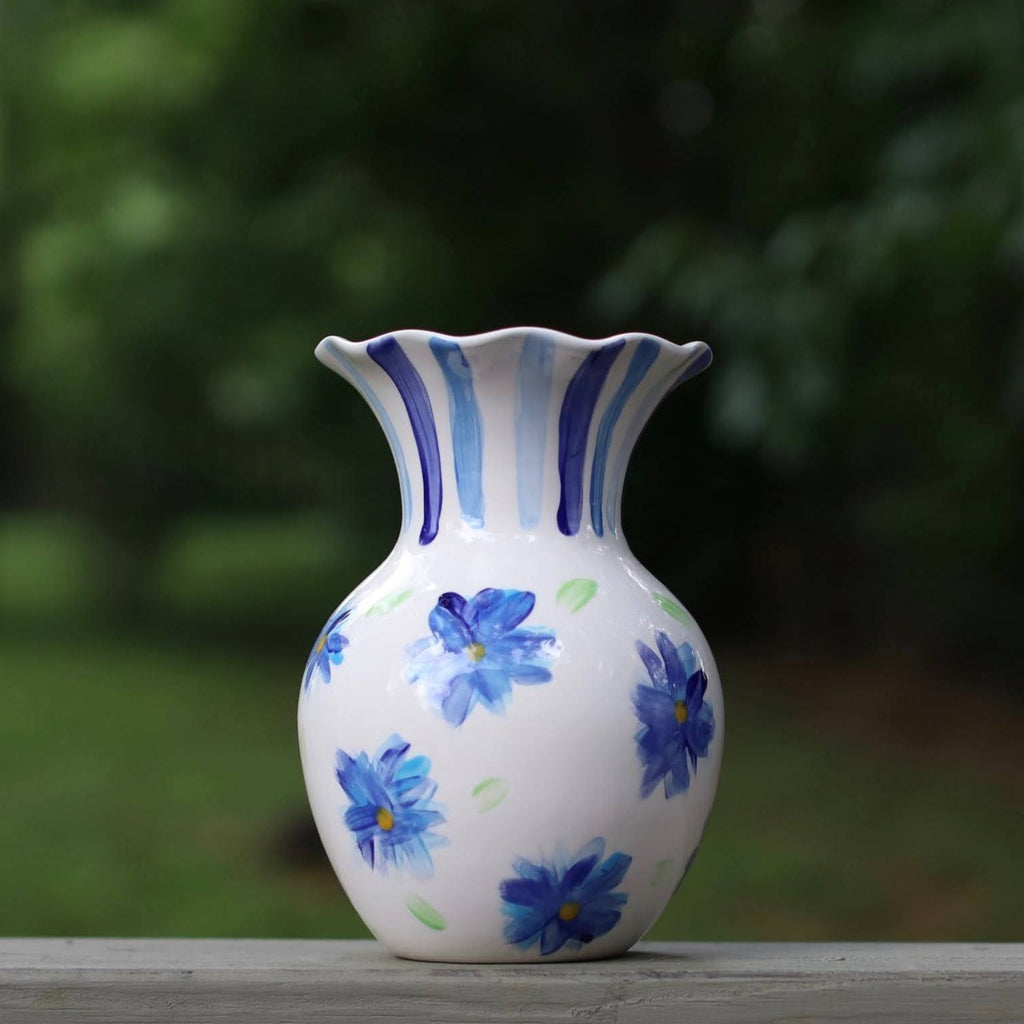 "8"" Floral Pattern Blue and White Scallop Vase"