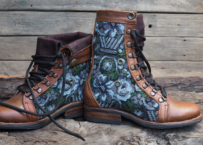 Size 35 Wanderer Boots Blue and Grey Floral