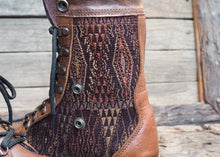 Load image into Gallery viewer, Size 35 Wanderer Boots Brown Embroidery
