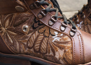 Size 36 Wanderer Boots Brown Flowers