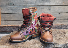 Load image into Gallery viewer, Size 36 Wanderer Boots Floral Embroidery