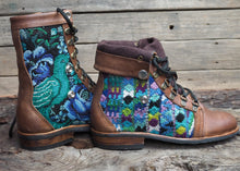 Load image into Gallery viewer, Size 37 Wanderer Boots Bird Zig Zag