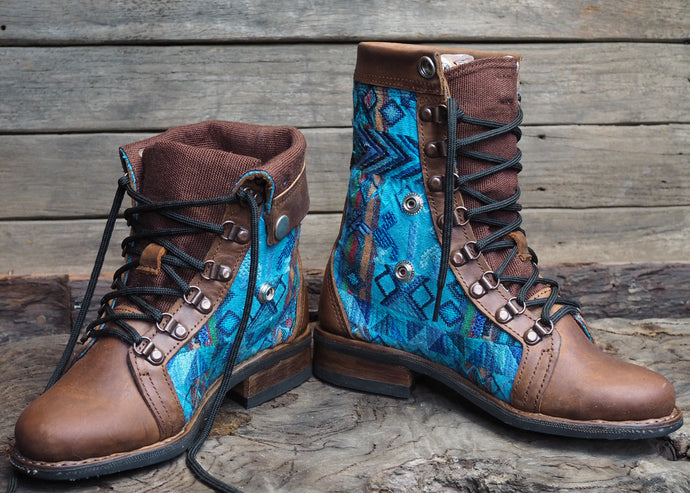 Size 37 Wanderer Boots Blue Hues Embroidery