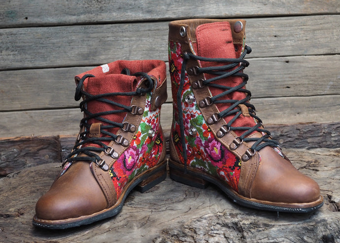 Size 37 Wanderer Boots Bright Florals