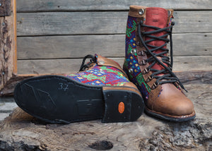 Size 37 Wanderer Boots Colourful