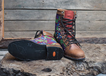 Load image into Gallery viewer, Size 37 Wanderer Boots Colourful
