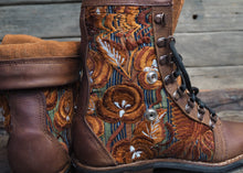 Load image into Gallery viewer, Size 37 Wanderer Boots Gold Flowers