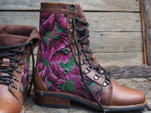 Load image into Gallery viewer, Size 37 Wanderer Boots Pink Flowers