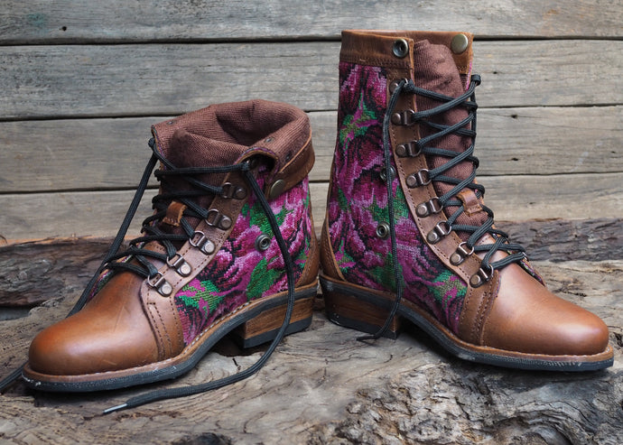 Size 37 Wanderer Boots Pink Flowers