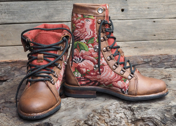 Size 37 Wanderer Boots Rose Tones
