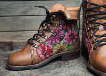 Load image into Gallery viewer, Size 38 Wanderer Boots Bright Florals