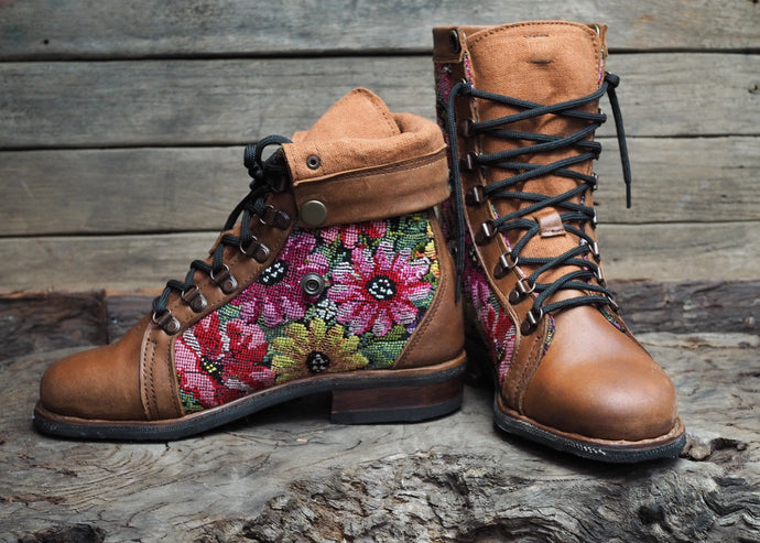 Size 38 Wanderer Boots Bright Florals