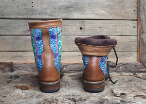 Size 38 Wanderer Boots Bright Patterns