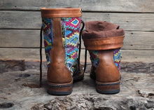 Load image into Gallery viewer, Size 39 Wanderer Boots Floral Bright Patterns