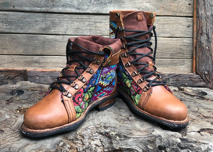 Size 39 Wanderer Boots Flowers and Diamonds
