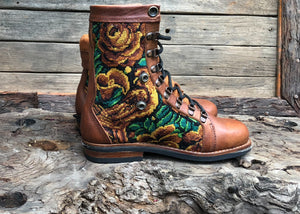 Size 39 Wanderer Boots Yellow Flowers