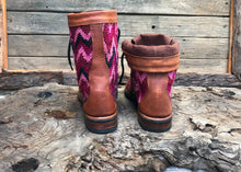 Load image into Gallery viewer, Size 40 Wanderer Boots Pink Patterns