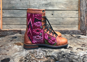 Size 40 Wanderer Boots Pink Patterns