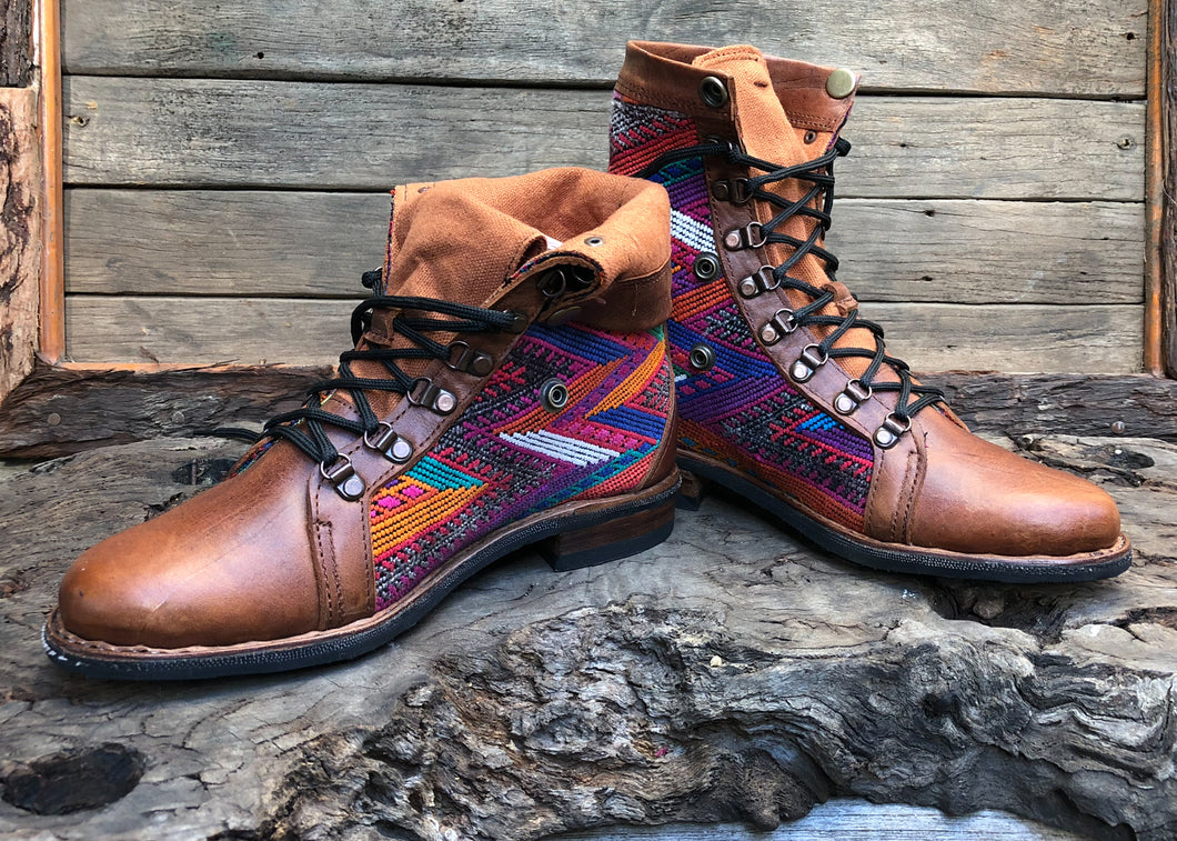 Size 41 Wanderer Boots Rainbow Patterns