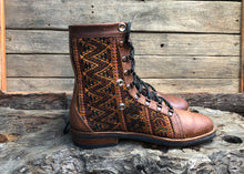 Load image into Gallery viewer, Size 43 Wanderer Boots Golden ZigZag