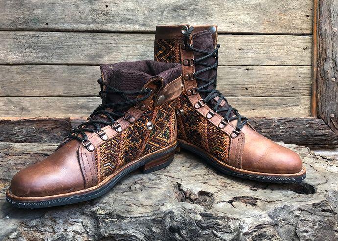 Size 43 Wanderer Boots Golden ZigZag