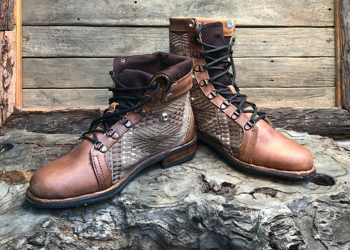 Size 43 Wanderer Boots Tonal Embroidery