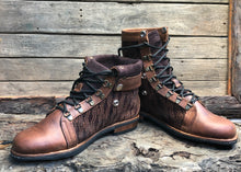 Load image into Gallery viewer, Size 44 Wanderer Boots Brown Embroidery