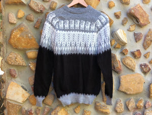 Large - Grey Feathers on Black Knitted Bolivian Alpaca Jumper