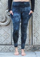 Load image into Gallery viewer, Pocket Leggings - Charcoal